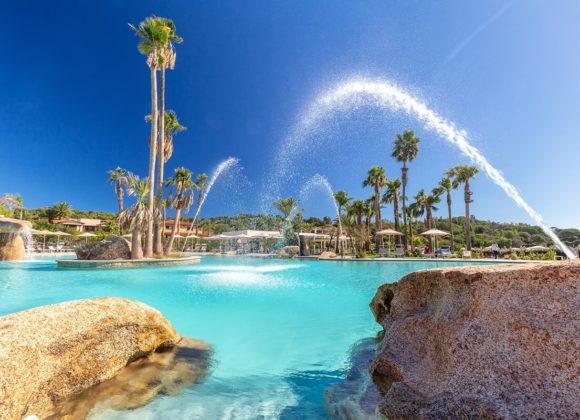 hotel-con-piscina-tropicale-acqua-di-mare-sardegna