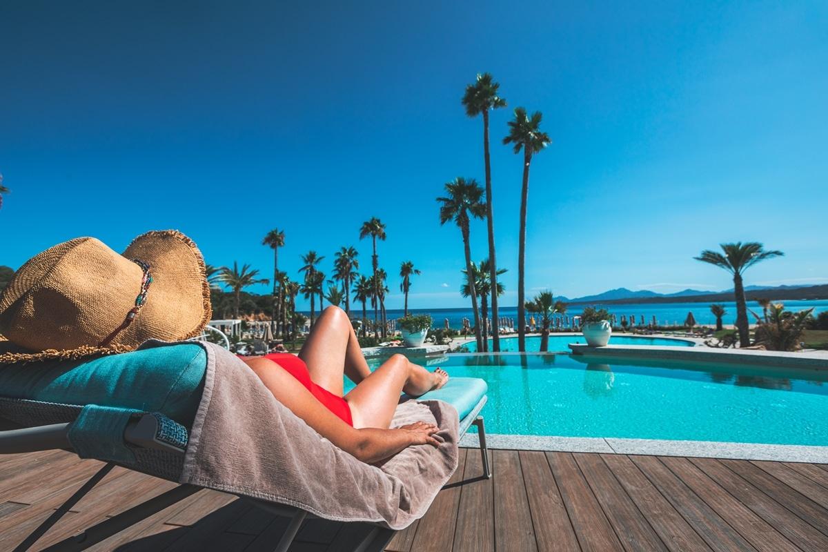 hotel-relax-sardegna-piscina-tropicale