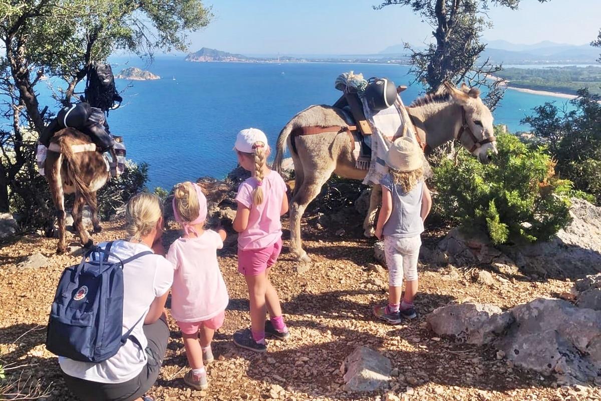 trekking-someggiato-sardegna-escursioni-bambini-asinelli